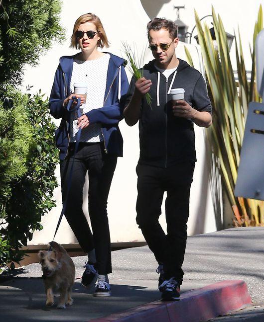 Agyness Deyn z mężem, Givannim Ribisim na spacerze (FOTO)