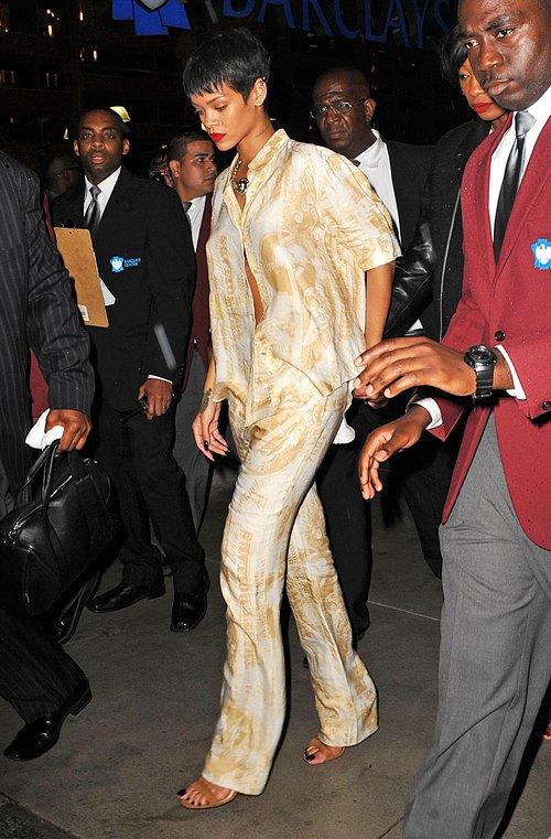 Czy Rihanna wybiera się na piżama party? (FOTO)