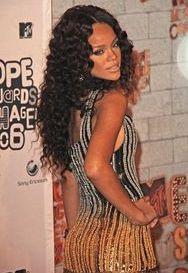 Rihanna ko�czy dzisiaj 26 lat (FOTO)