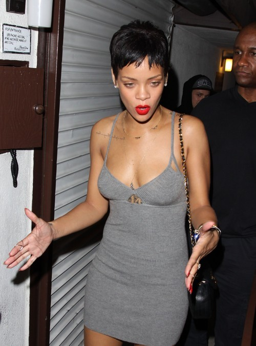 Brown chce, żeby Rihanna powiększyła piersi