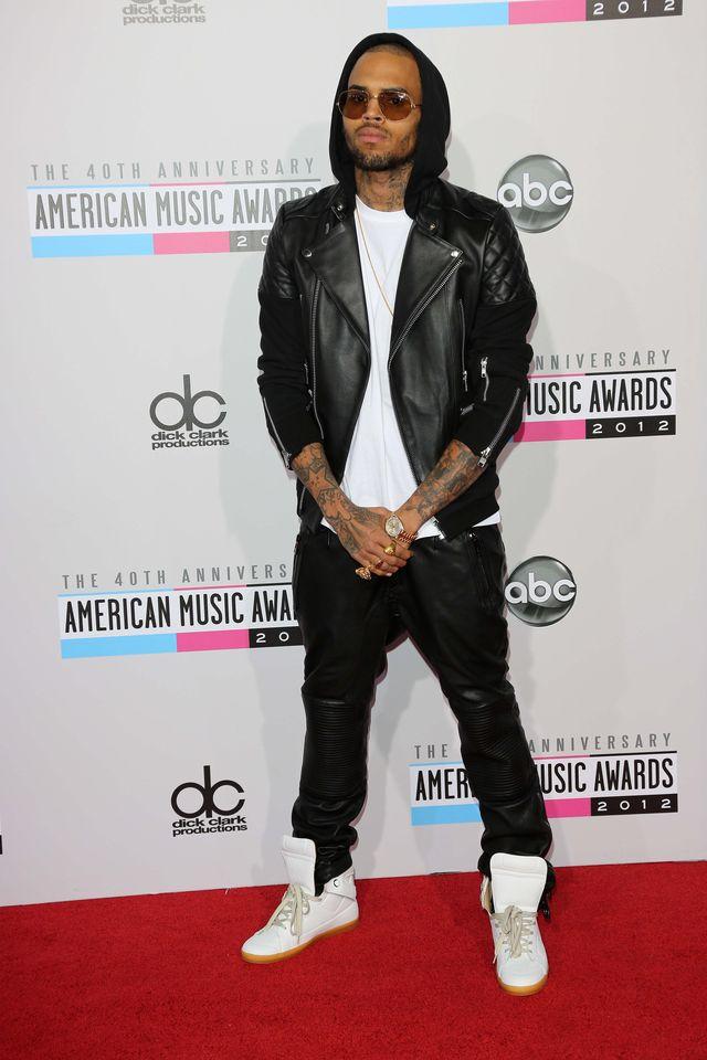 Chris Brown jest zdołowany plotkami o ciąży Rihanny