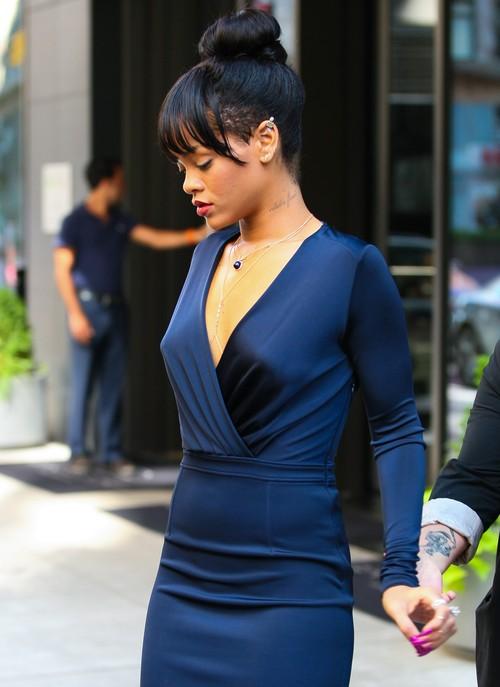 Gdzie Rihanna idzie taka wystrojona? (FOTO)