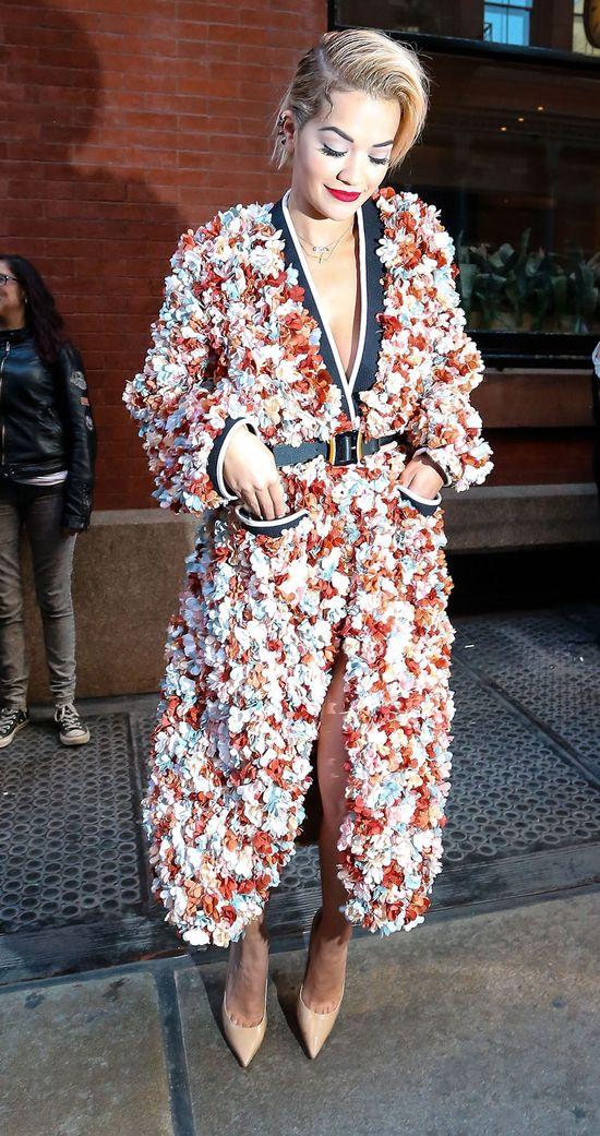 Rita Ora ociera si� o styl Kim Kardashian (FOTO)