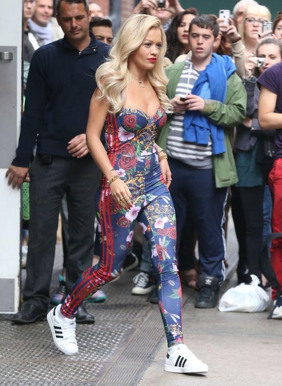 Tak krótkich włosów Rita Ora dawno nie miała (FOTO)