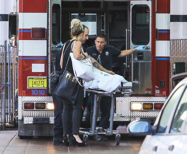 Rita Ora po sesji zdjęciowej trafiła do szpitala! (FOTO)