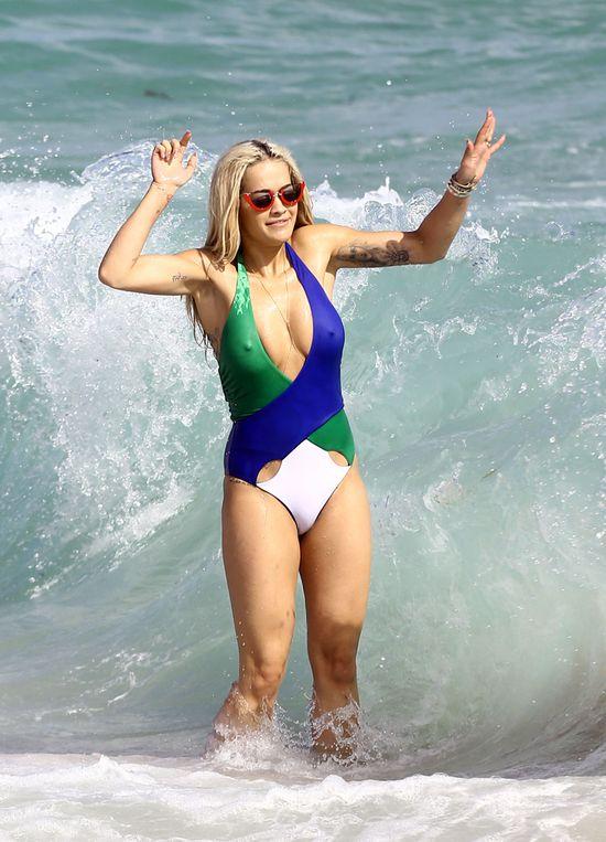 Rita Ora nie jest kruszynką (FOTO)