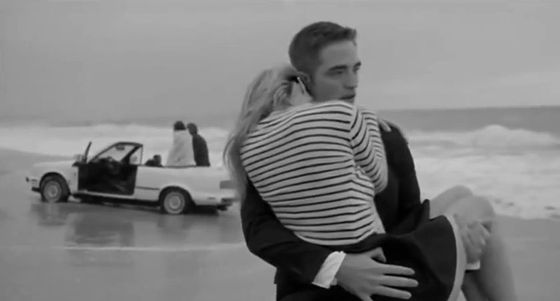Idealna dziewczyna w wydaniu Roberta Pattinsona (VIDEO)