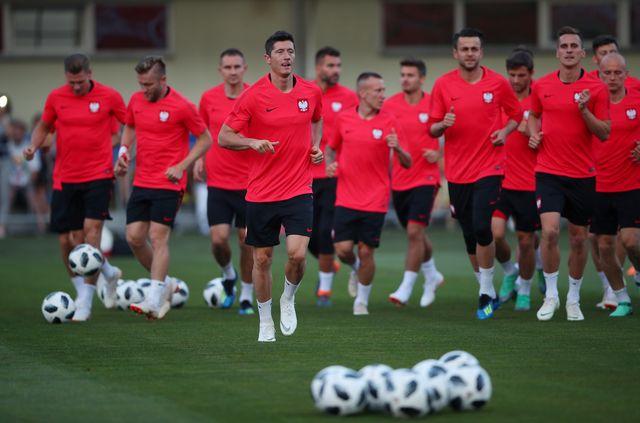 Robert Lewandowski z wydepilowanym torsem gotowy na mecz Polska - Senegal