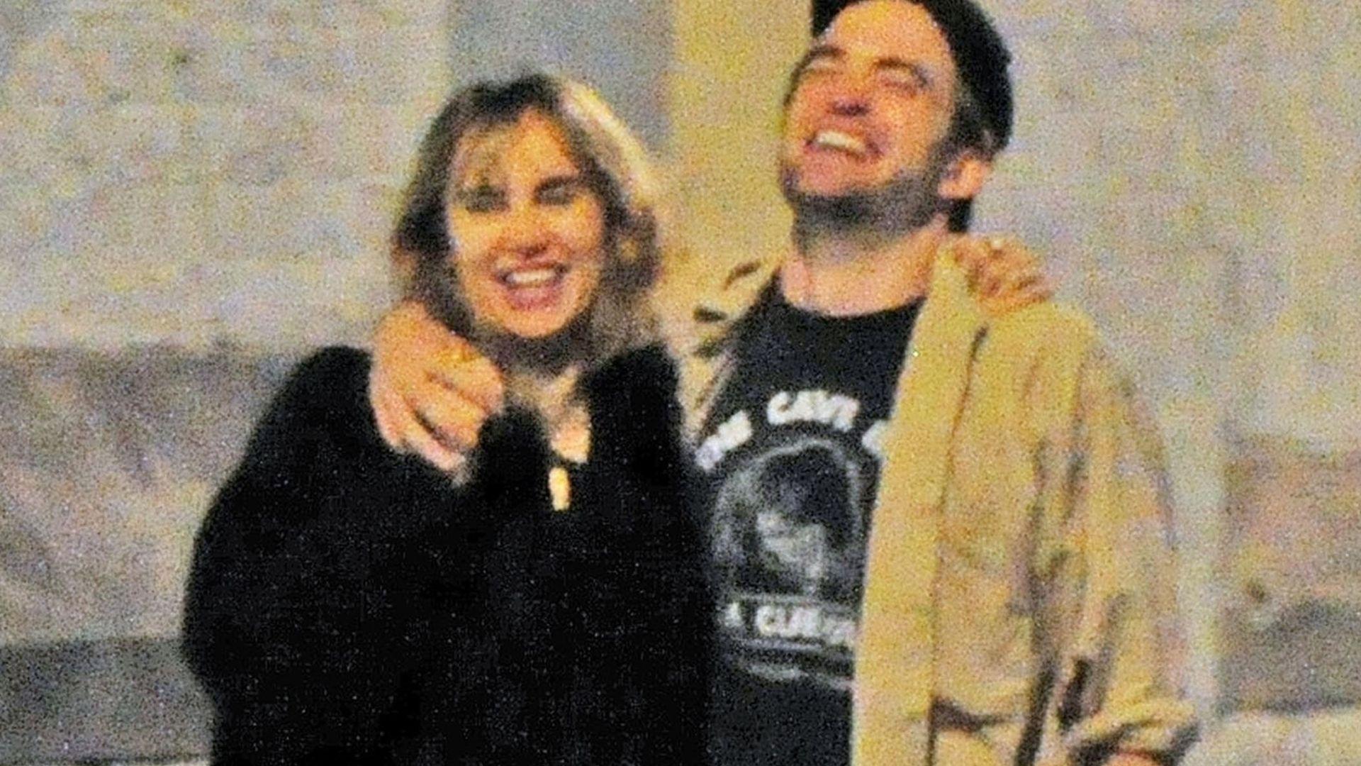Mamy zdjęcia Roberta Pattinsona CAŁUJĄCEGO się z Suki Waterhouse
