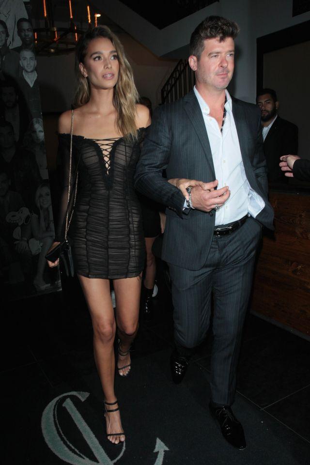 Złośliwi mówią, że Robin Thicke chciał znaleźć kopię byłej żony (ZDJĘCIA)