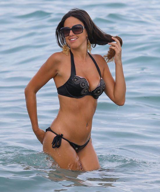 Claudia Romani pręży się przed obiektywem (FOTO)