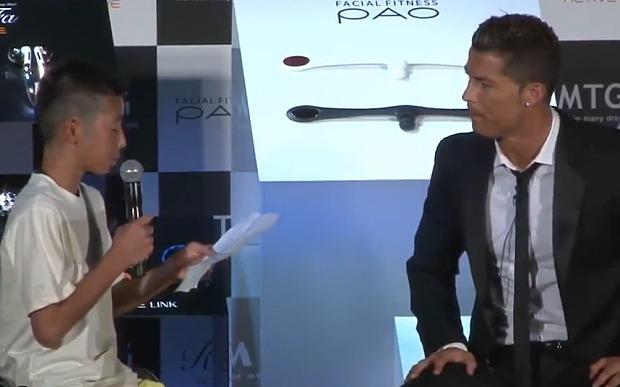 Ronaldo zbeształ dziennikarzy, bo nabijali się z chłopca