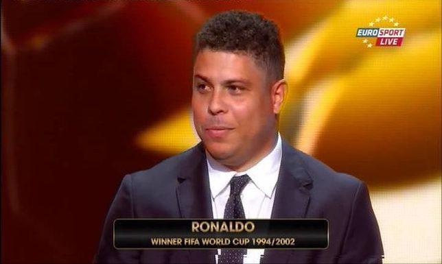 Pijany Ronaldo nagrał film, na którym całuje go facet