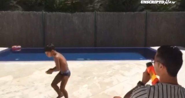 Zobaczcie, jak Cristiano Ronaldo wychowuje syna