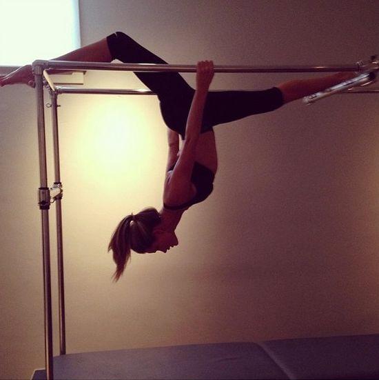 Rosie Huntington-Whiteley pokazuje, jak dba o lini� (FOTO)