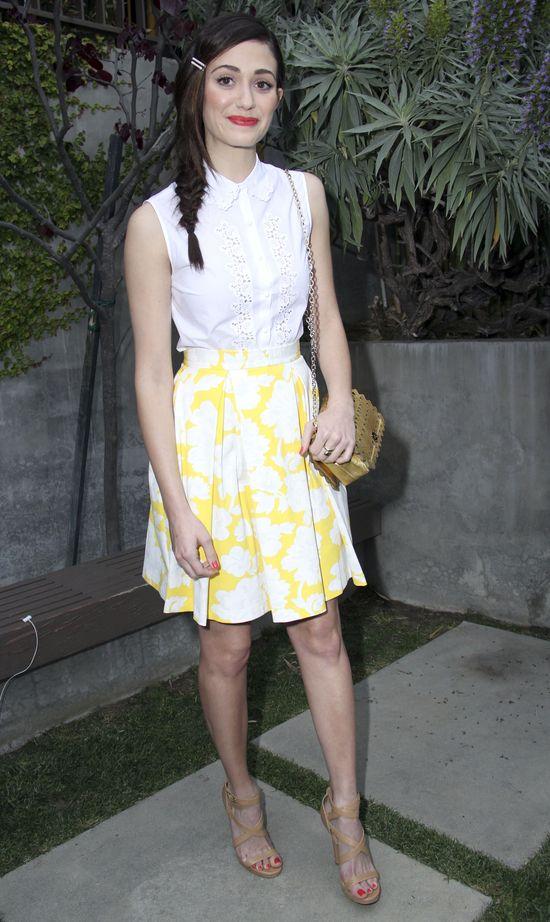 Emmy Rossum stworzona do delikatnego makijażu (FOTO)