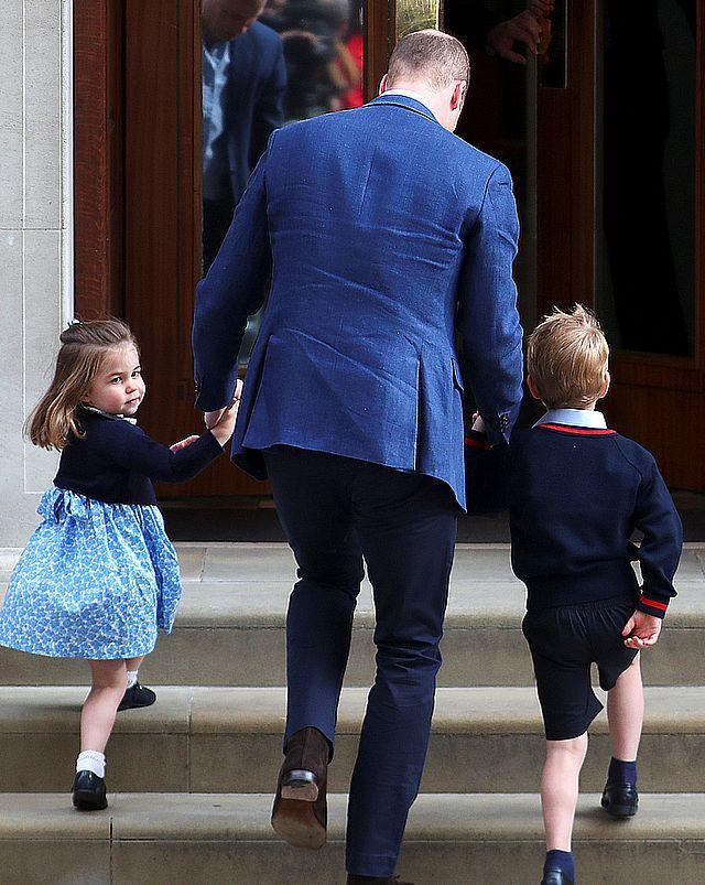 Ksieżniczka Charlottei książe George NIE MOGĄ siadać do stołu z rodzicami