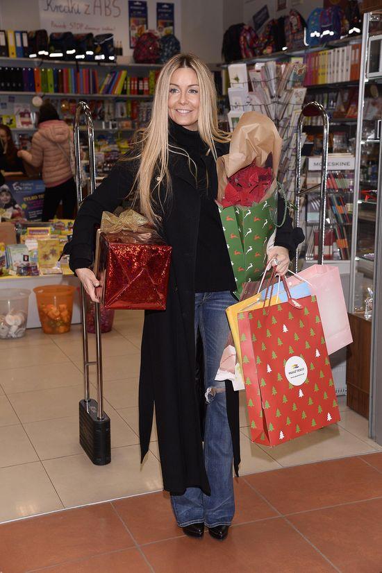 Obładowana Małgorzata Rozenek-Majdan na zakupach w Tesco (ZDJĘCIA)