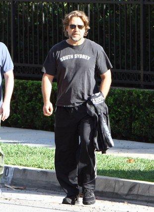 Russell Crowe wygląda jak lump! (FOTO)