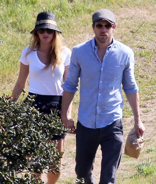 Scarlett Johansson źle znosi ślub byłego męża