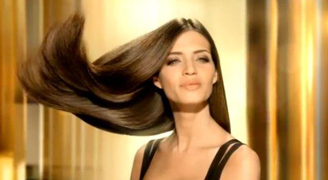 Sara Carbonero reklamuje szampony (FOTO)