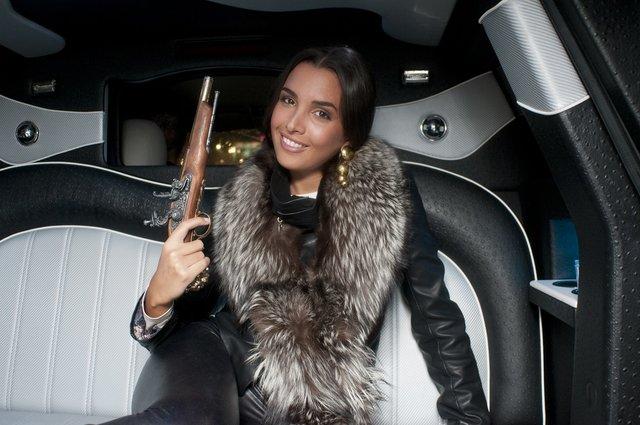 Sara Faraj w piosence Zrób Kapitana [VIDEO]