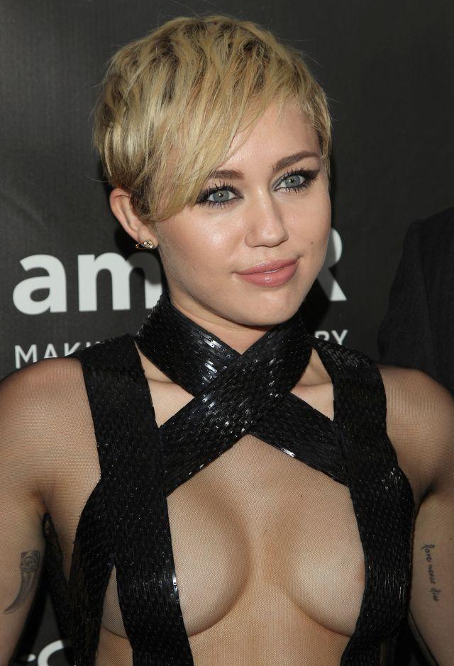 Miley Cyrus i Patrick Schwarzenegger całują się publicznie