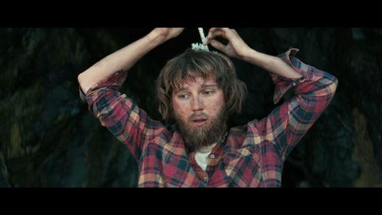 Daniel Radliffe w roli... pierdzącego i gadającego zombie! (VIDEO)