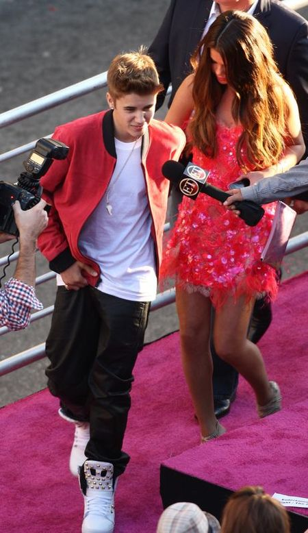 Bieber zabrał Selenę Gomez do kina (FOTO)