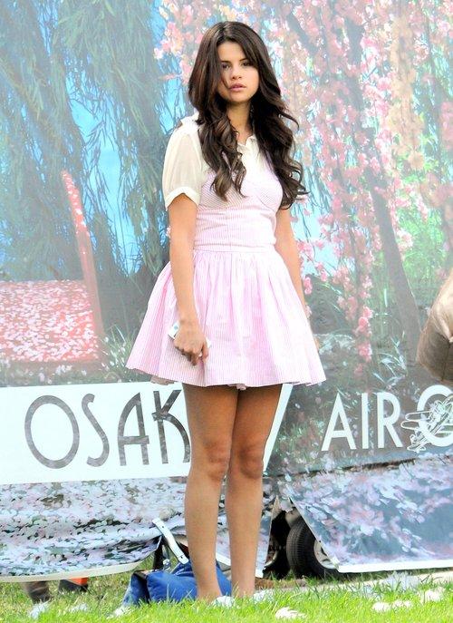Selena Gomez jak słodka muffinka (FOTO)
