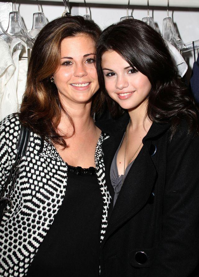 Selena Gomez ostro pocisnęła własnej mamie. Cios poniżej pasa?