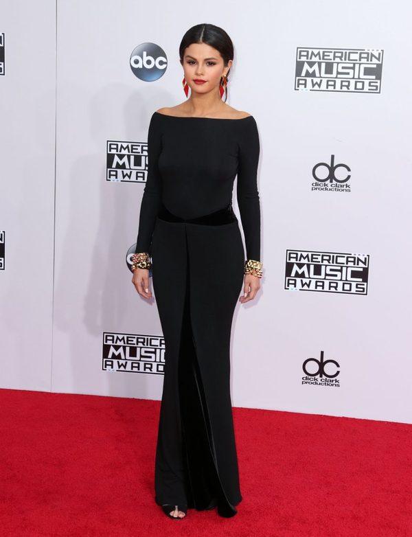 Selena Gomez wywo�a�a skandal sesj� dla magazynu V (FOTO)