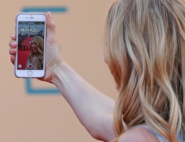 OMG! Czy ona widziała się w lustrze?! (FOTO)