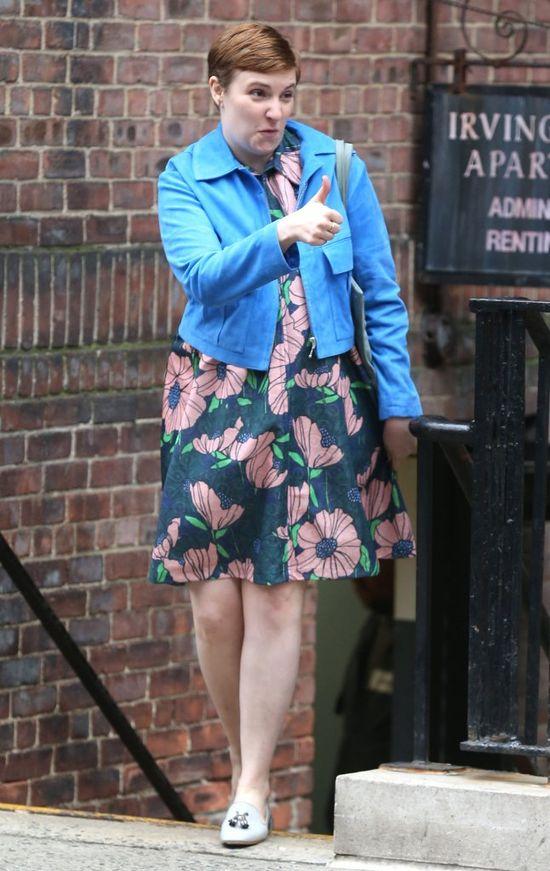 Lena Dunham ścięła włosy na zapałkę (FOTO)