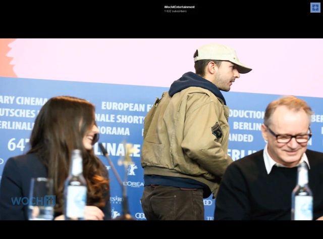 Shia LaBeouf z papierową torbą na głowie podczas premiery