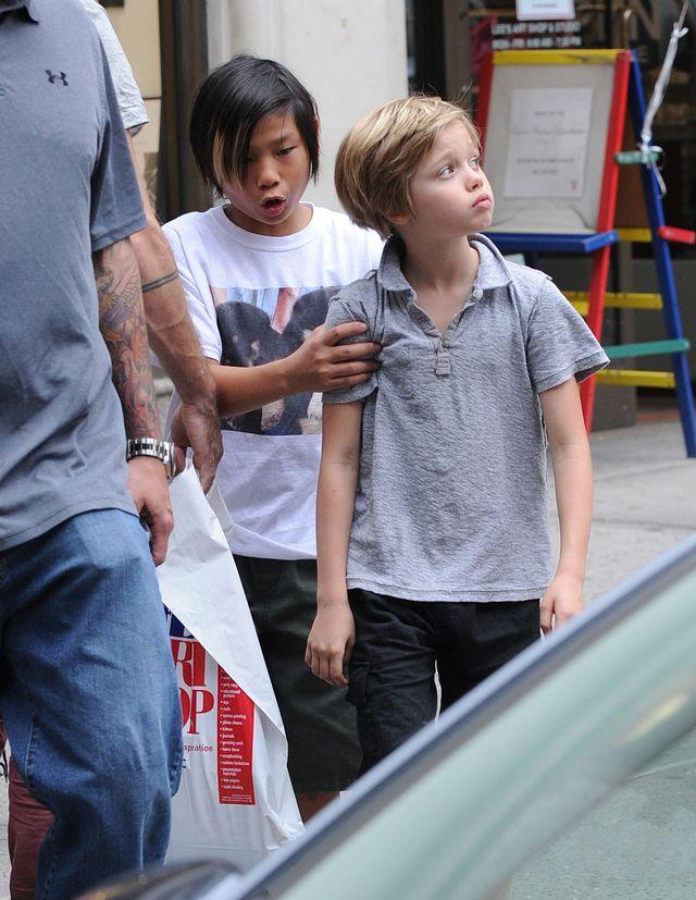 Dziennikarze mylą Shiloh Jolie-Pitt z chłopcem! (FOTO)