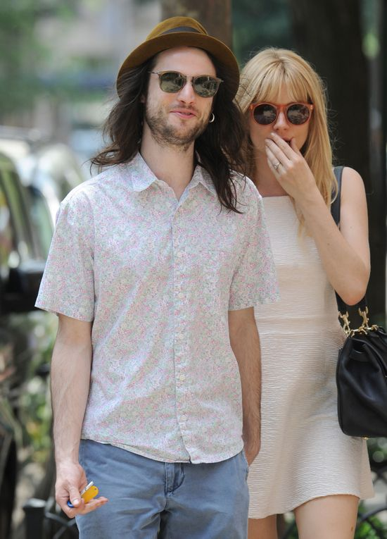 Sienna Miller i Tom Sturridge wciąż zakochani (FOTO)