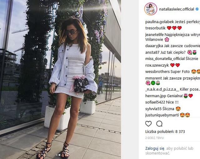 Natalia Siwiec poczuła lato i odsłoniła nóżki jak PATYCZKI (Instagram)