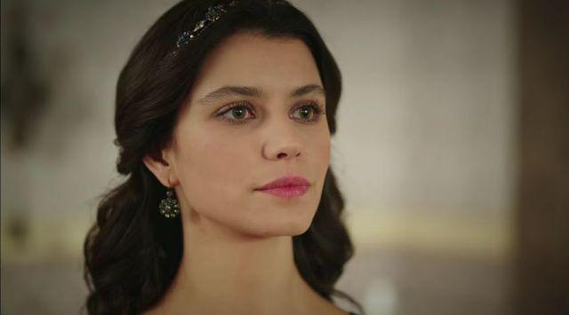Kim jest Beren Saat ze Wspaniałego stulecia i Grzechu Fatmagül?