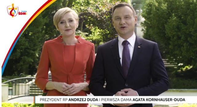 Para Prezydencka zaprasza na ŚDM w trzech językach. Agata Duda zdumiewa! (VIDEO)