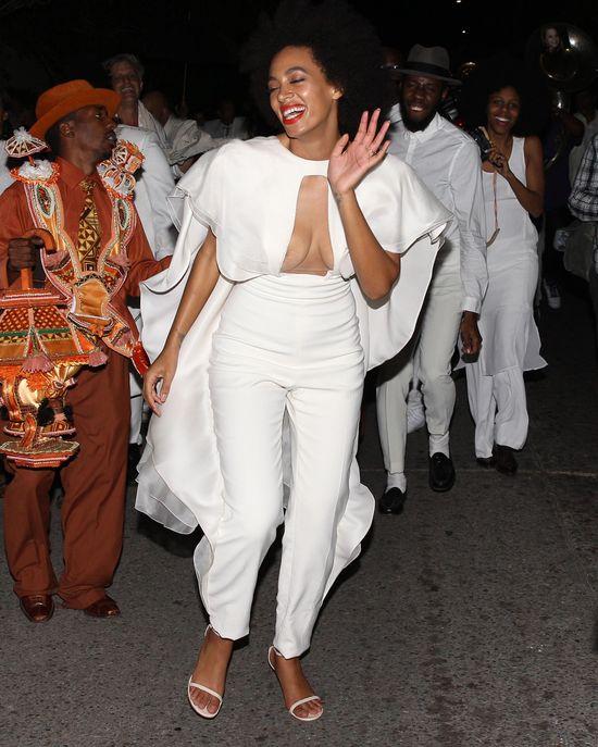 �lubna kreacja Solange Knowles ju� krytykowana (FOTO)