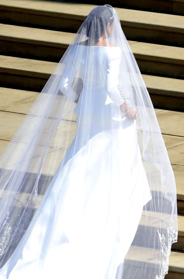 Meghan Markle w SUKNI ślubnej! Zachwyca!