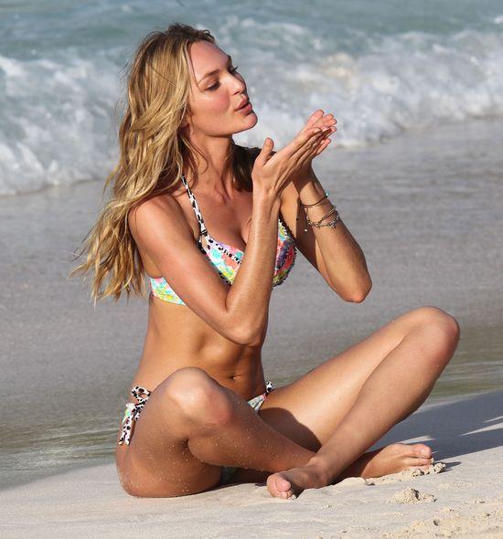 Candice Swanepoel w bikini  (FOT