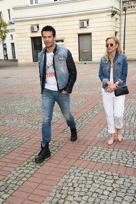 Sylwia Juszczak i Miko�aj Krawczyk na konferencji Celebrity Salon