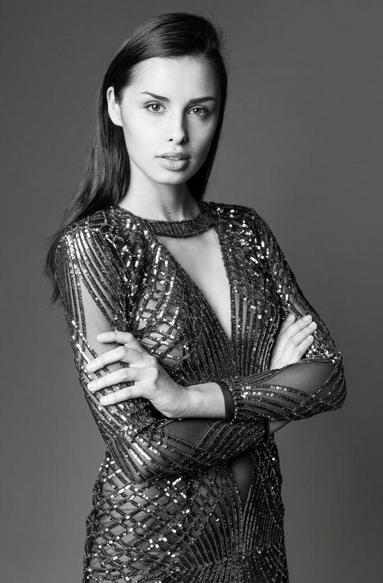 Weronika Szmajdzińska w finale wyborów Miss Universe 2015