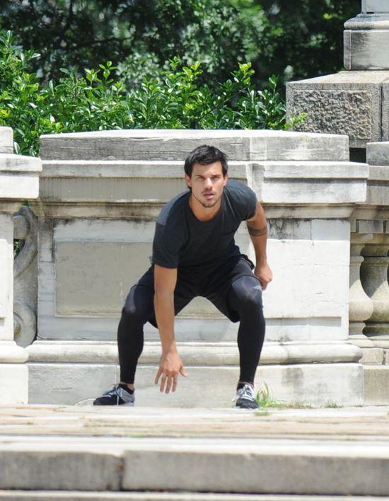 Taylor Lautner ćwiczy parkour