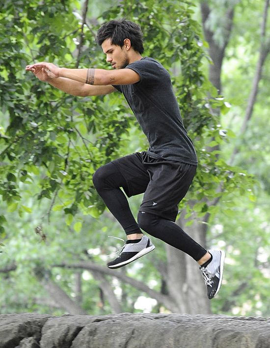 Taylor Lautner �wiczy parkour