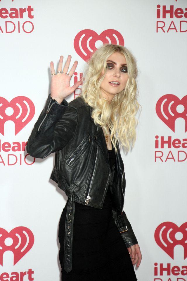 Taylor Momsen wygląda jakoś dziwnie... (FOTO)