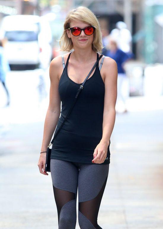Dlaczego wszyscy mówią o biuście Taylor Swift? (FOTO)
