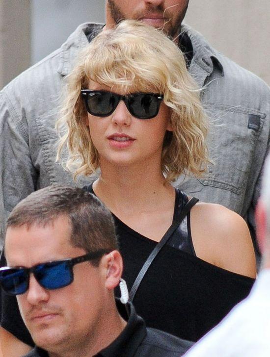 Kogo całuje Taylor Swift? To NIE JEST Tom Hiddleston!
